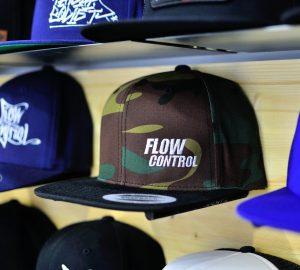 Yupoong Classic Snapback Camo/Black Flow Control